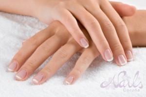 Manicura francesa natural Nails Coruña